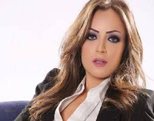ريم البارودي برفقة والدتها وشقيقتها ..يالصورة