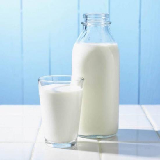 خلافاً لما يُشاع.. الحليب قليل الدسم يزيد الوزن!