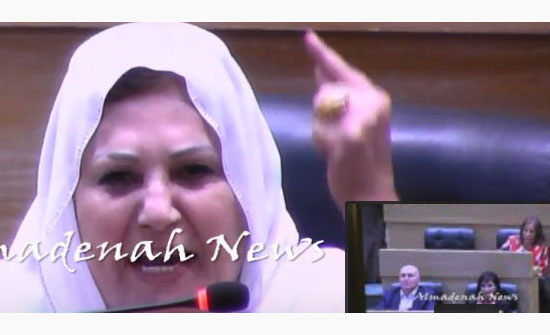 بالفيديو : الخوالدة تهاجم غنيمات بسبب تصريحات عن البطالة والوزيرة ترد