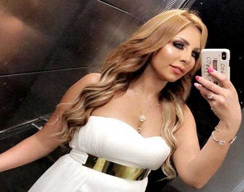 سارة خليفة بفستان مكشوف الصدر وتاتو ظهر في أحدث جلسة تصوير .. شاهد