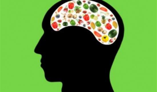 أفضل 4 أطعمة مفيدة للعقل والدماغ