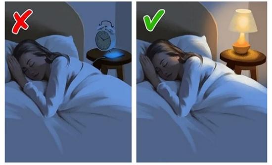 4 أشياء من الأفضل عدم الاحتفاظ بها في غرفة النوم