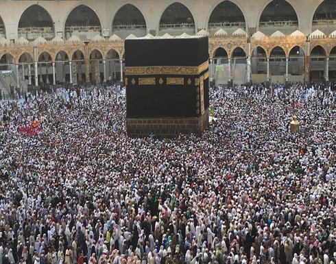 8 حجاج من لندن يصلون القاهرة بدراجاتهم في طريقهم لمكة