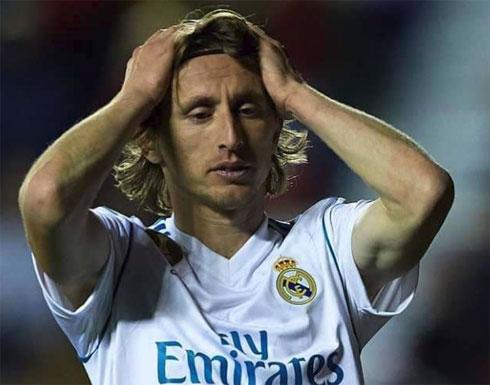 راكيتيتش يبلغ ميسي بعزم نجم ريال مدريد المغادرة