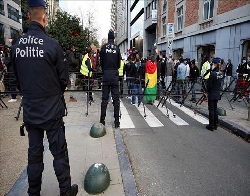 بلجيكا..إيقاف مدرس لعرضه رسوما مسيئة للنبي محمد على تلاميذه