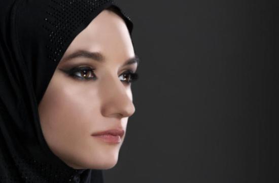 للمحجبات: نصائح لتختاري شكل الحاجبين المناسب لملامح وجهك