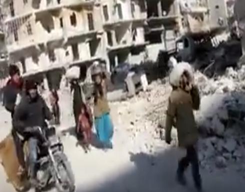 بالفيديو: نزوح أهالي حلب بسبب القصف