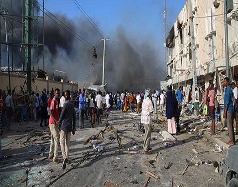 """بالفيديو.. تفاصيل الهجوم على مقر """"الداخلية"""" الصومالية"""