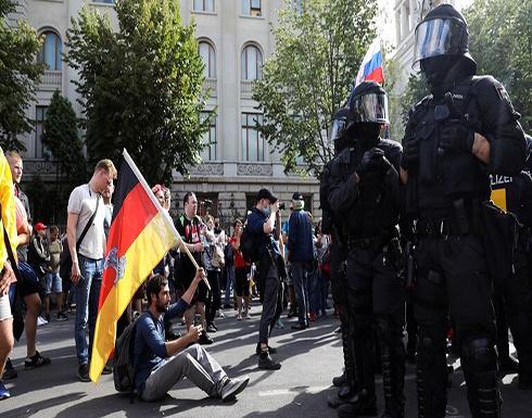 شاهد : شرطة برلين تفرق احتجاجا على قيود فيروس كورونا