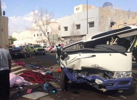 بالصور والفيديو.. المدينة المنورة: حادث مروع يودي بحياة شخصين ويخلف تسع إصابات