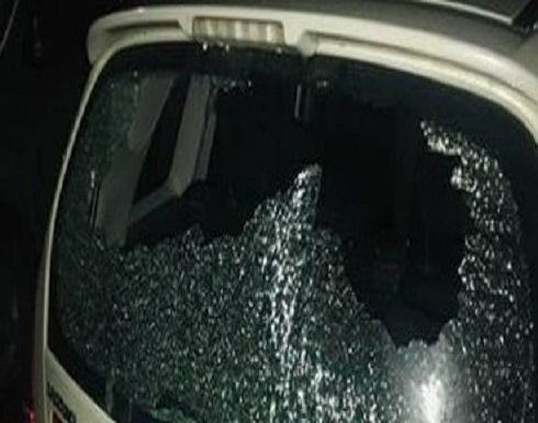 مستوطنون يهاجمون مركبات الفلسطينيين ومواجهات مع قوات الاحتلال جنوب جنين