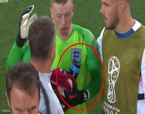 """زجاجة ماء """"أنقذت إنجلترا"""" أمام كولومبيا بركلات الترجيح"""