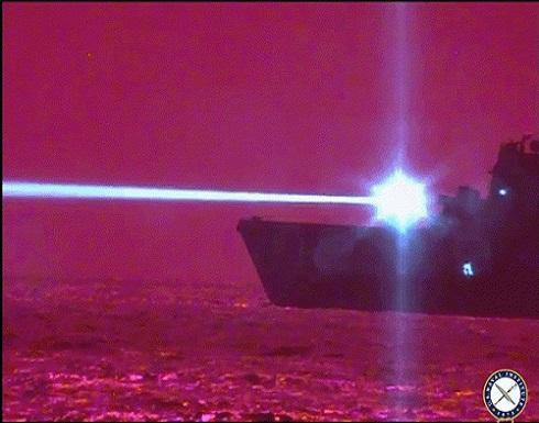 الجيش الأمريكي يختبر سلاحا ليزريا قادرا على تدمير الطائرات أثناء التحليق .. بالفيديو