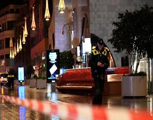 شاهد : الشرطة تغلق مباني البرلمان والمنطقة المحيطة بها بعد تهديد بوجود قنبلة
