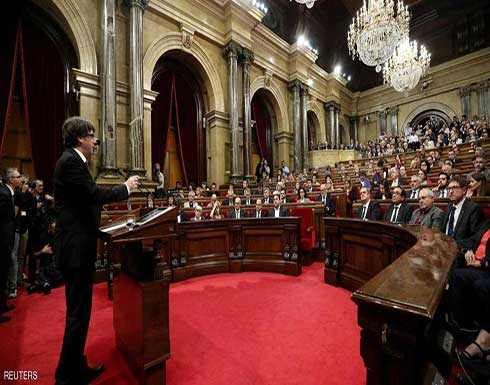 رئيس كتالونيا يقترح تعليق اعلان الاستقلال عن إسبانيا