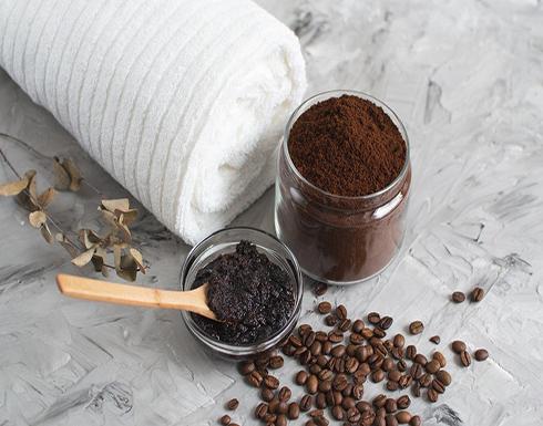 هذه طريقة استخدام القهوة للتخلص من جفاف القدمين