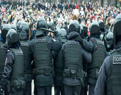 مظاهرات في روسيا ضد بوتين بدعوة من نافالني والشرطة تعتقل المئات .. بالفيديو
