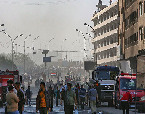 بالفيديو : حالات اختناق في بغداد.. ومحتجون يطوقون منزل محافظ بابل
