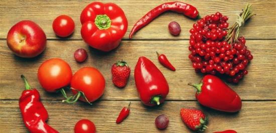 لونها الأحمر هو السبب.. مادة غذائية فعالة ضد السرطان!