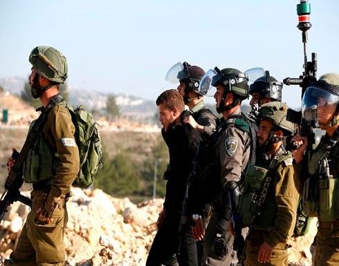 الاحتلال يعتقل نوابا ووزيرا سابقا بالضفة