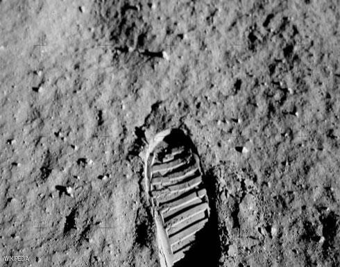 """بالصور.. هل أصحاب نظرية """"مؤامرة الهبوط على القمر"""" على حق؟"""