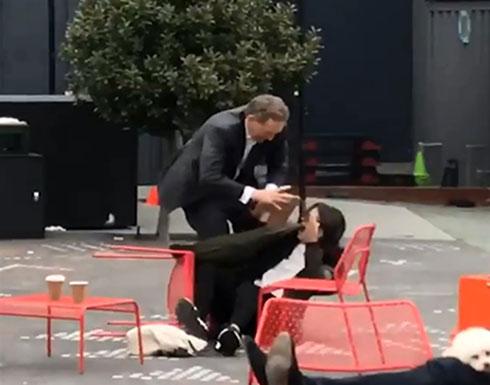 شجار حاد بين مليونير وزوجته في الشارع (فيديو)