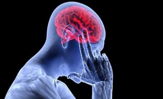أبرزهم العطش.. 5 عادات تتلف خلايا الدماغ