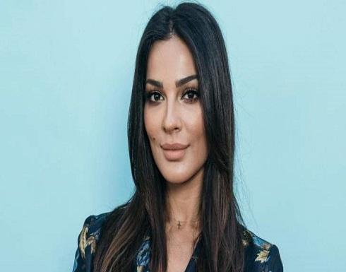 الاحتفالات بعيد ميلاد نادين نسيب نجيم مستمرة..والمفاجأة مع عائلتها بالفيديو