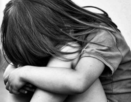 طفل يقتل ابنة عمه بعد فشله في اغتصابها!.. واقعة مروعة
