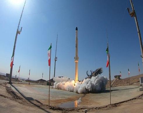 الدفاع الإيرانية: إطلاق صاروخ جديد قادر على حمل أقمار صناعية إلى الفضاء