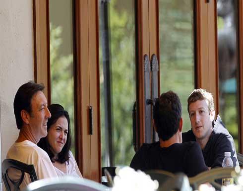 """""""نيويورك تايمز"""": أين أكبر قادة """"فيسبوك""""؟"""