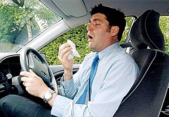 إن كنت مصابًا بنزلة برد.. إحذر القيادة!