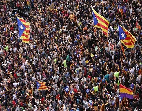 """أزمة """"كتالونيا"""" تلقي بظلالها على احتفالات إسبانيا بيومها الوطني"""