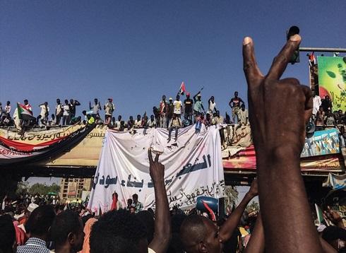 محتجو السودان ينوون الإعلان عن مجلس مدني لحكم البلاد