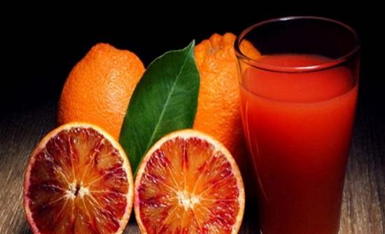 سر العصير الأحمر لخسارة الكثير من الوزن في أسبوع فقط