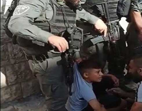 شاهد : شرطة الاحتلال تدهس طفلا مقدسيًّا رفع العلم الفلسطينيّ على درّاجته