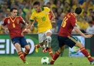 منتخب البرازيل وإسبانيا