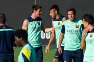 فريق برشلونة يتدرب