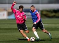 بنزيمة في تدريات ريال مدريد