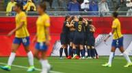 فرحة لاعبات أستراليا بالفوز على البرازيل