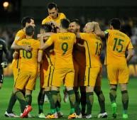 فرحة لاعبي استراليا بأحد الأهداف