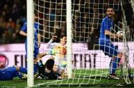 لقطة هدف ادوريث في ايطاليا