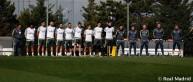 لاعبو ريال مدريد يقفون دقيقة حداد