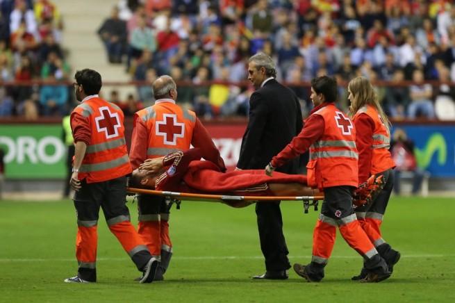 لحظة خروج موراتا للإصابة